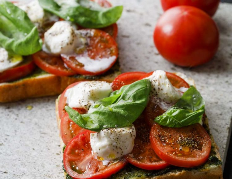 Osmic Fruit Tomato_Buffalo Mozzarella_Basil_Oba Pesto